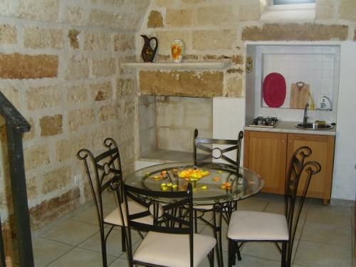 B b dimora vicolungo bed and breakfast ugento salento for Case antiche interni